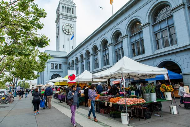 The Ferry Plaza Farmers Market Is A Triweekly California Certified Operated By Cuesa At San Francisco Building